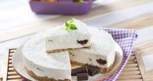 Cheesecake de coco e chocolate