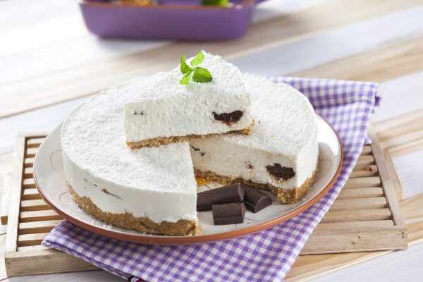 Cheesecake de coco e chocolate