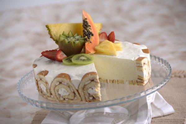 Semifrio de fruta e iogurte