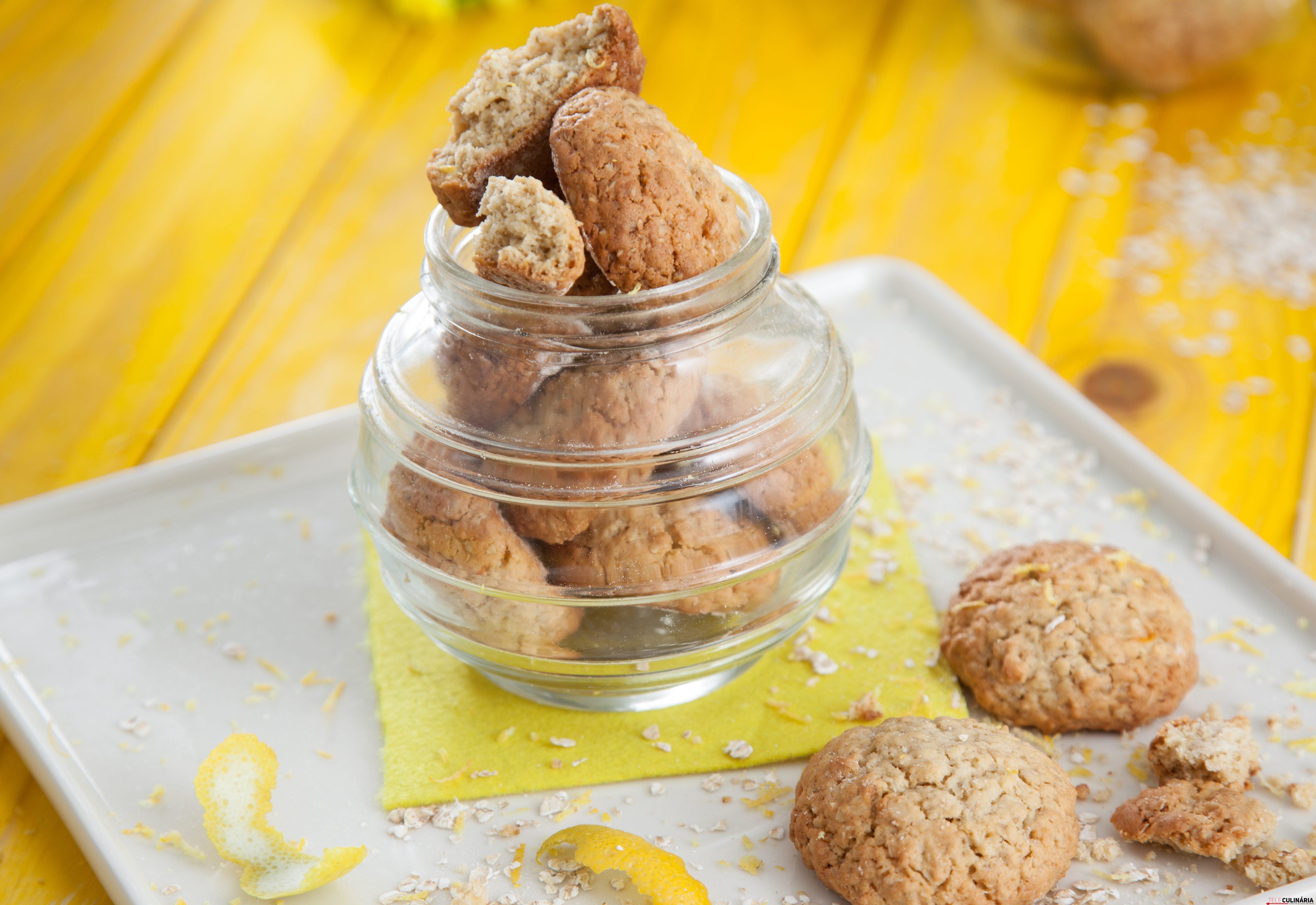 Bolachas de limão com aveia