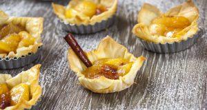 Mini tartes de maçã e canela