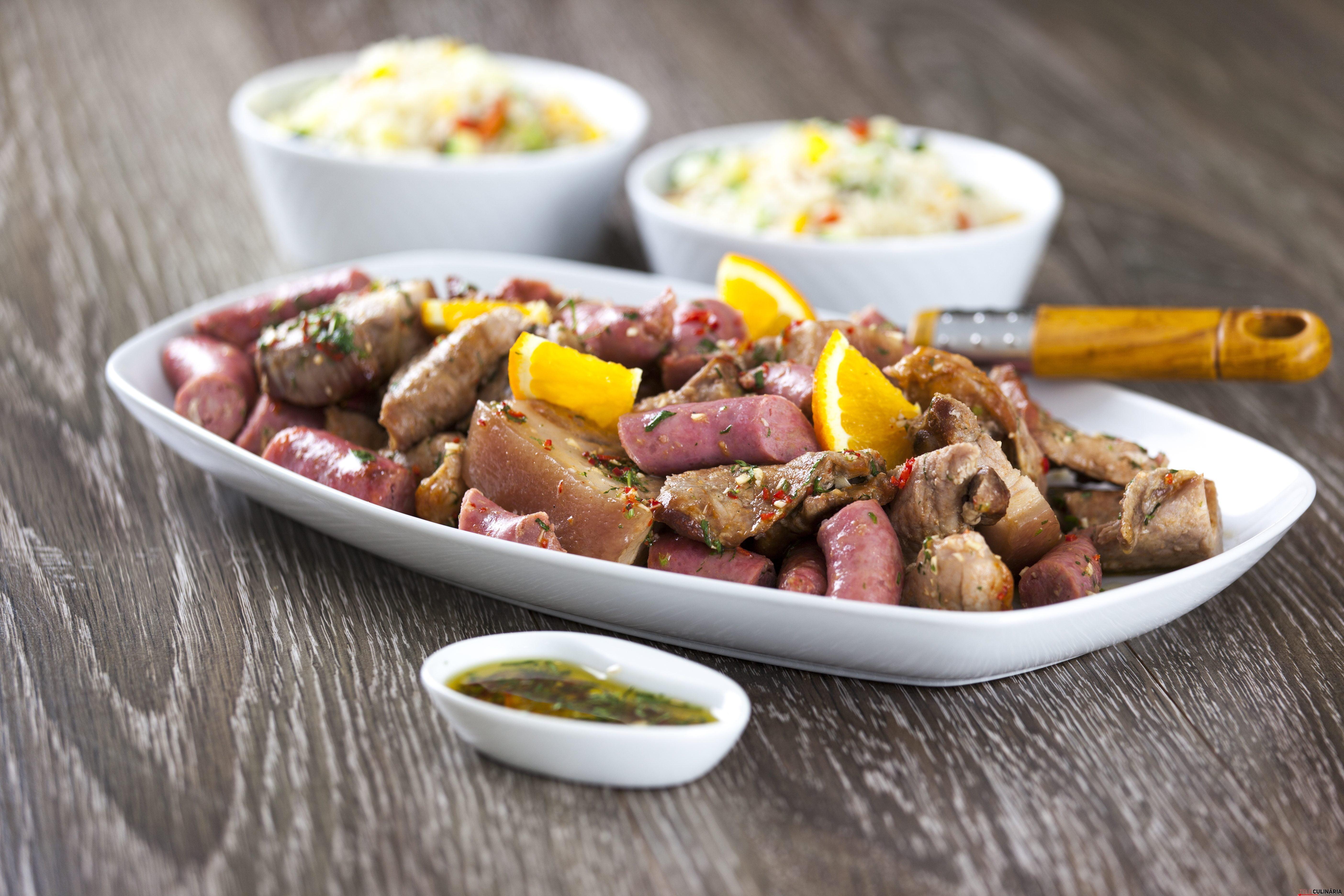 Assado Misto de Carnes com Arroz de Legumes