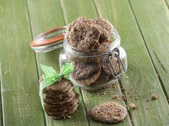 Biscoitos de chocolate, avelã e rum
