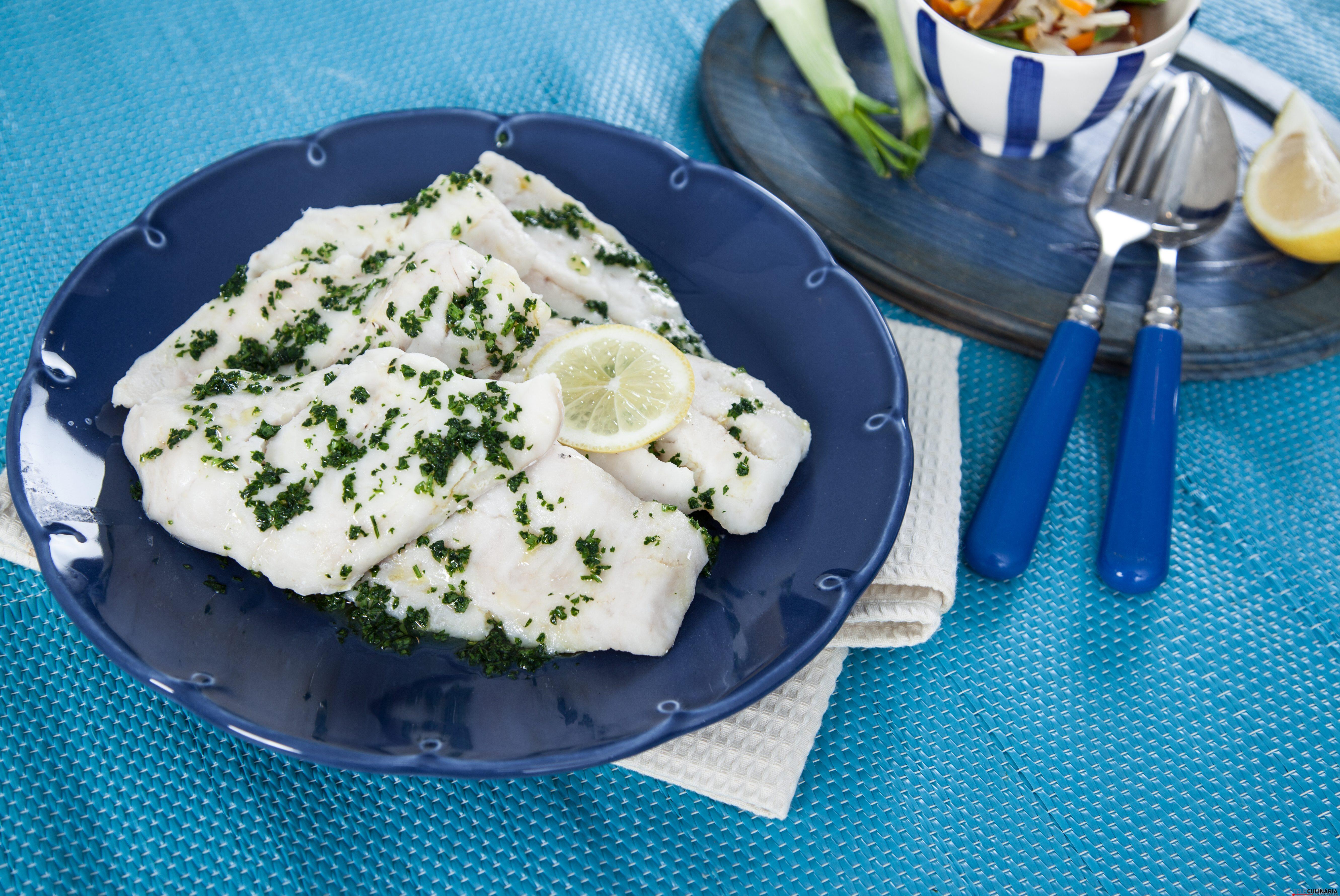 Filetes de peixe com legumes