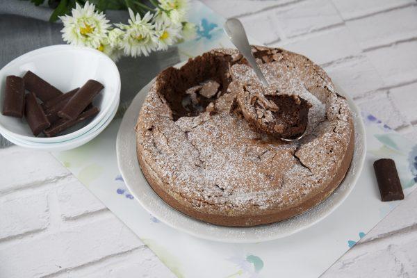 Bolo mousse de chocolate cozida