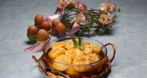 Papos de anjo em calda de ananas
