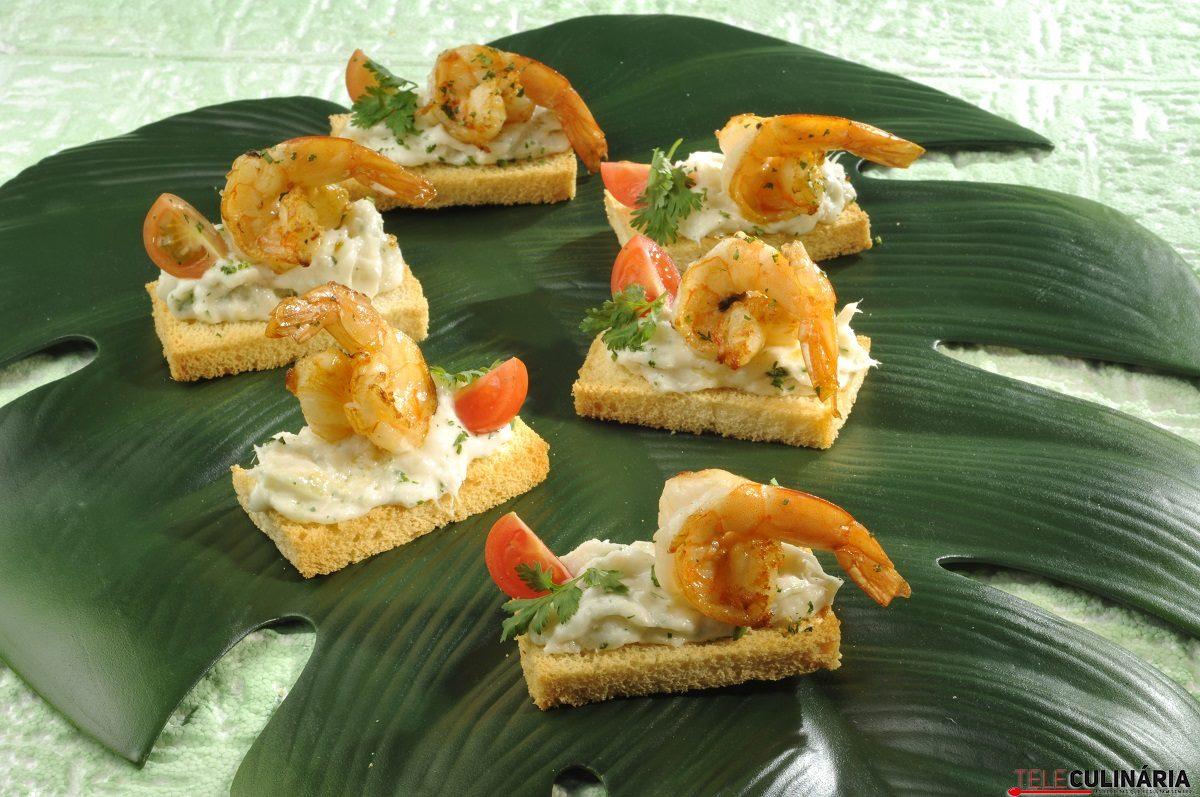 Tostinhas de bacalhau com camarão 2 D