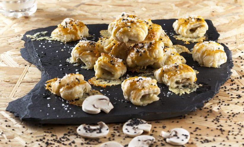 Biscoitos de queijo brie e cogumelos