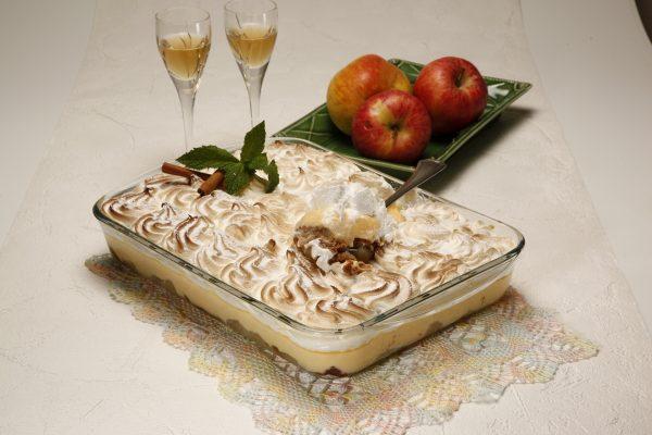 Maças escondidas com bolacha e merengue 4