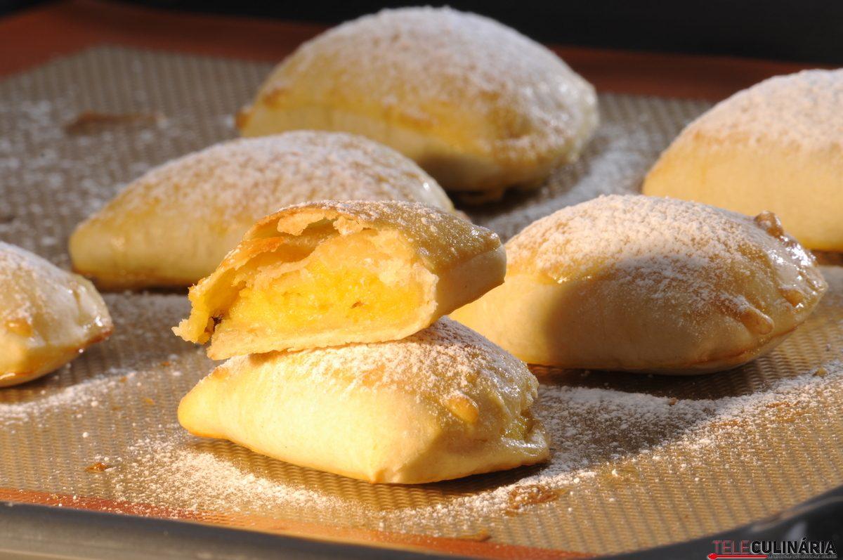 Pastéis de batata-doce com amêndoa