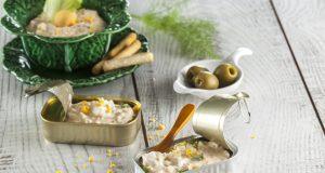 Pasta de salmão com ovos cozidos