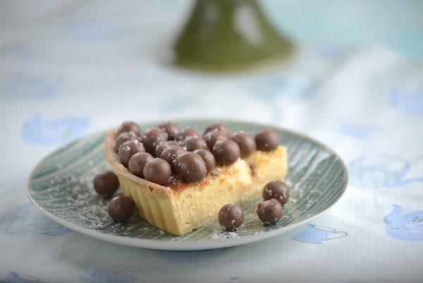 Tarte de coco com bolinhas de chocolate
