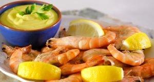 camarão cozido com maionese