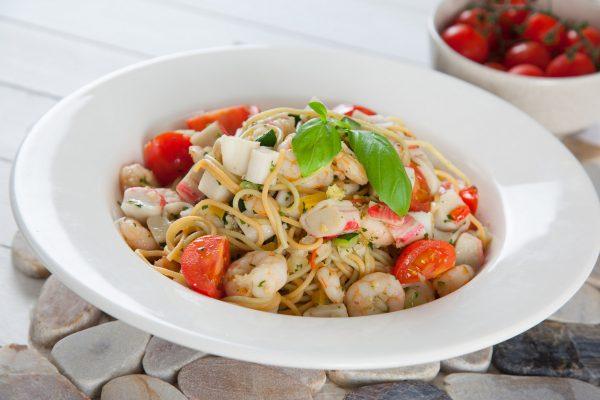 esparguete com camarao e delicias do mar