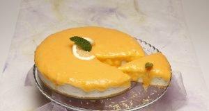 Tarte gelada de natas com curd de limão
