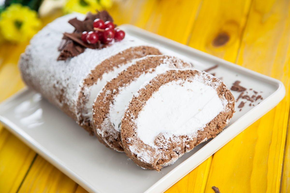 torta de chocolate com chantilly