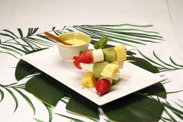 Espetadas de fruta com leite creme 2 D