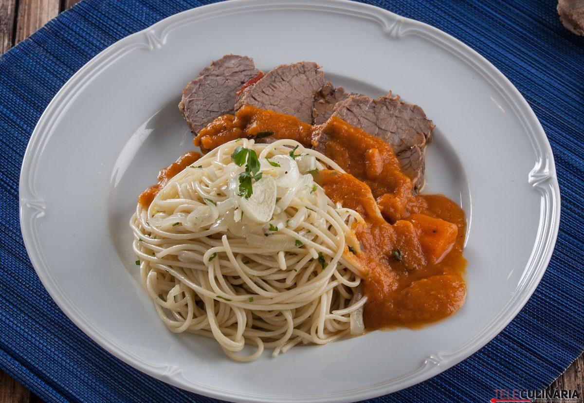 carne estufada com cenoura
