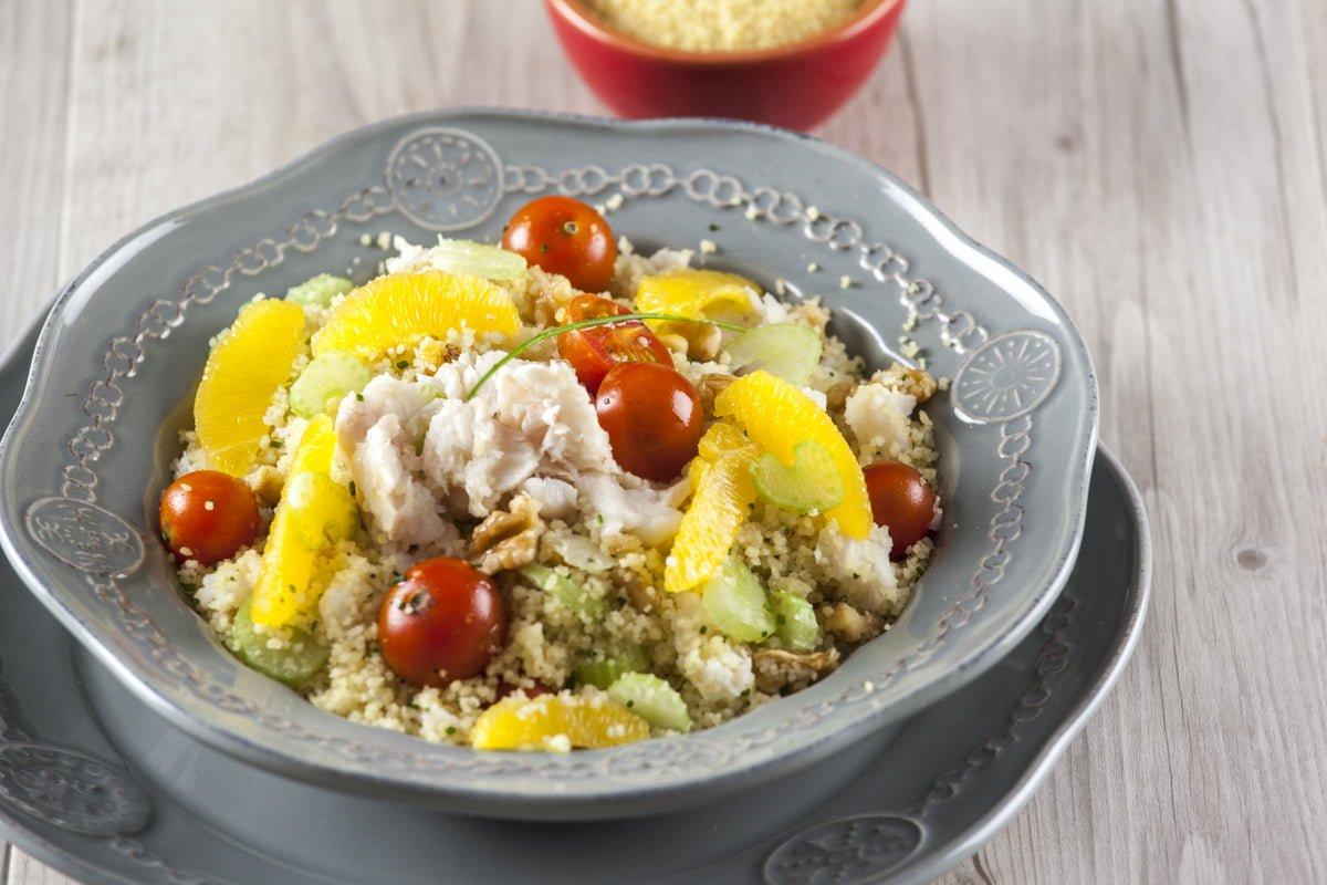 salada de cuscuz com peixe e laranja 1