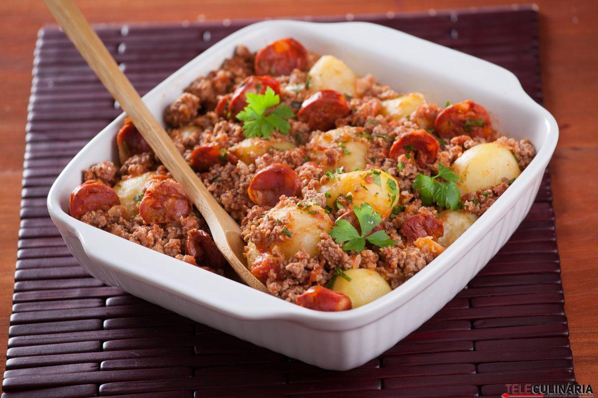 tabuleiro de batatas a bolonhesa