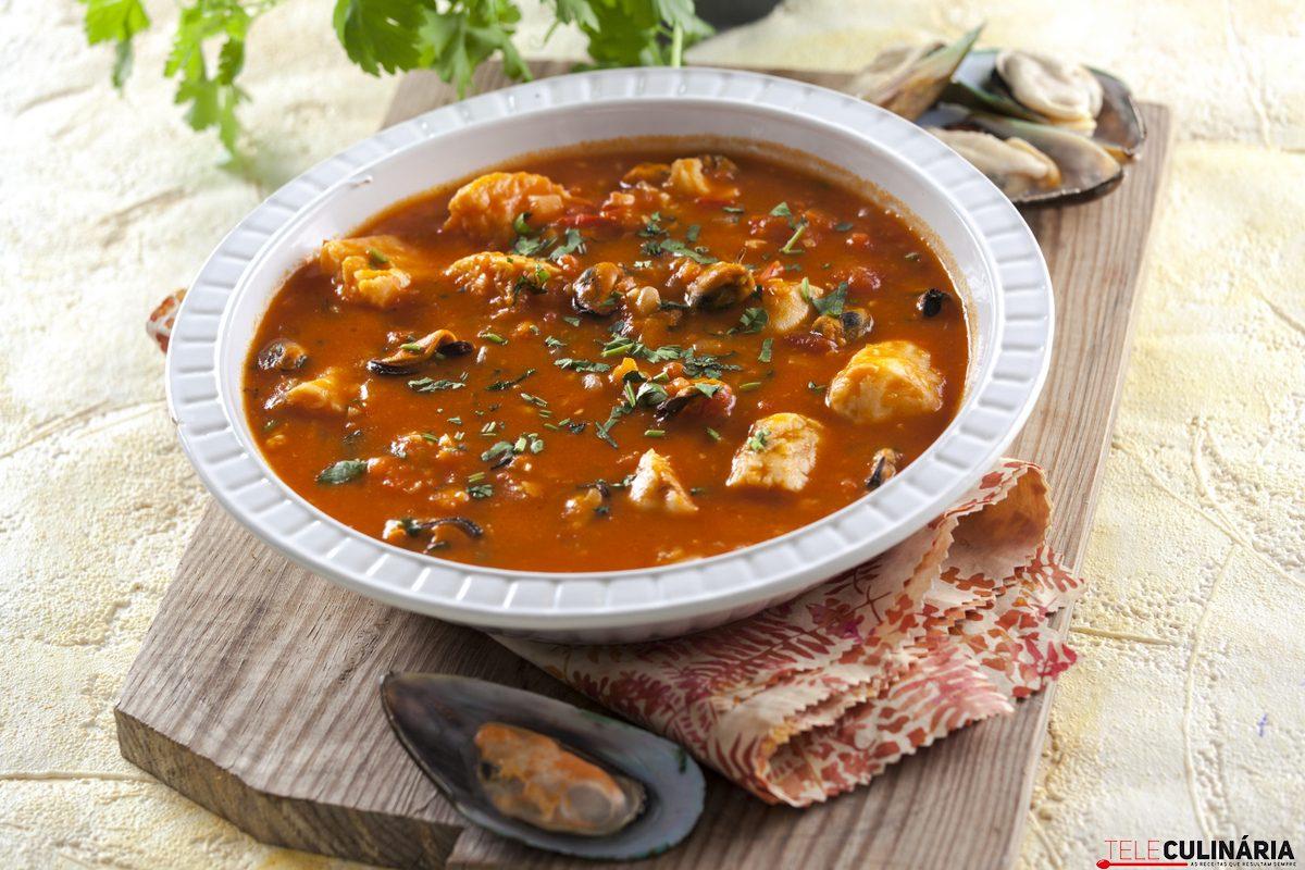 sopa rica de peixe