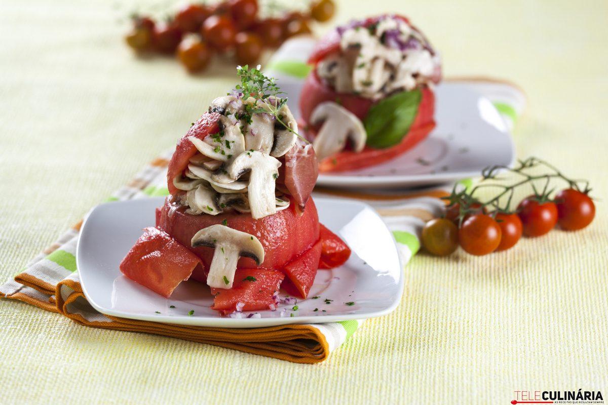 tomates recheados com presunto e cogumelos