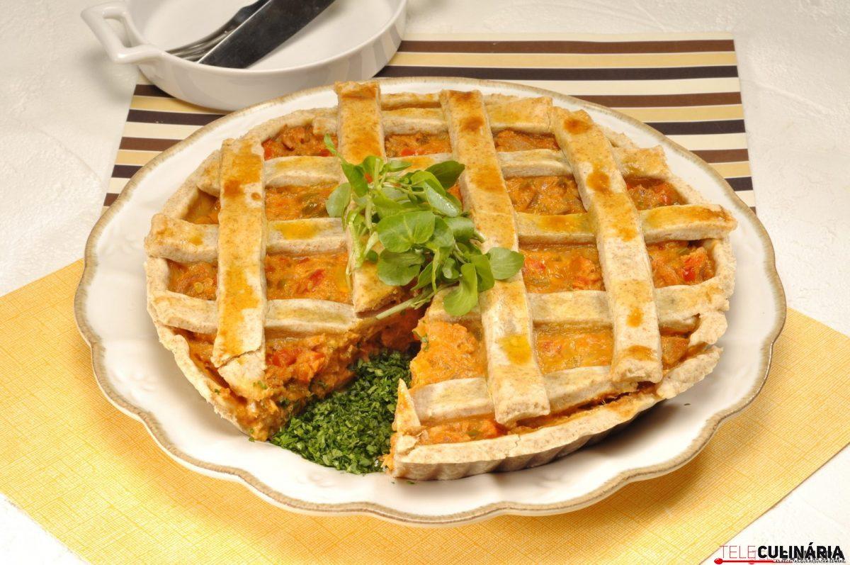 tarte coberta de atum com vegetais e1515419954596