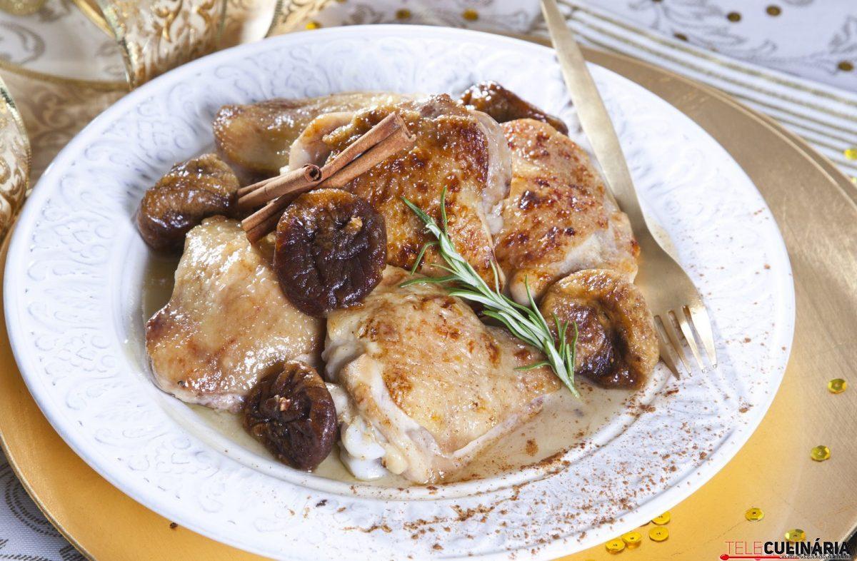 Coxas de frango com figos e canela