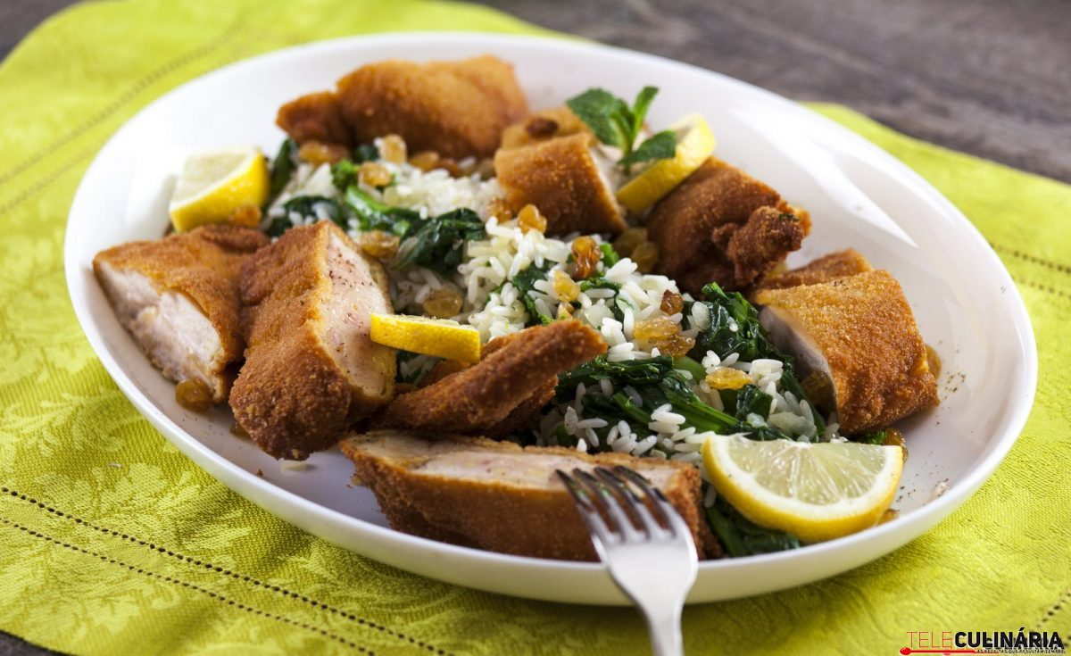 supremos de frango panados com arroz de grelos e1515413853659