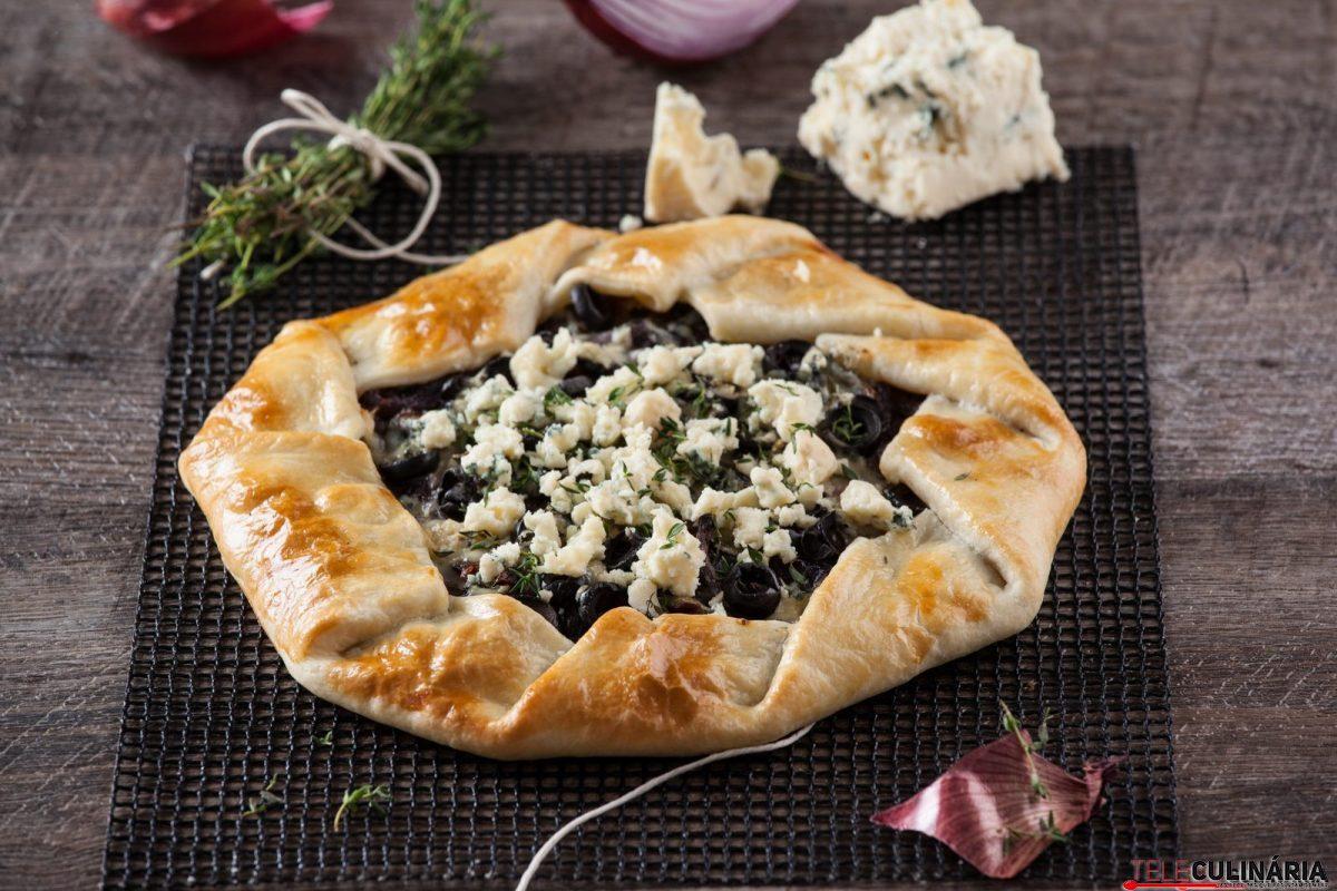 tarte de cebola caramelizada com queijo azul e1515415222405