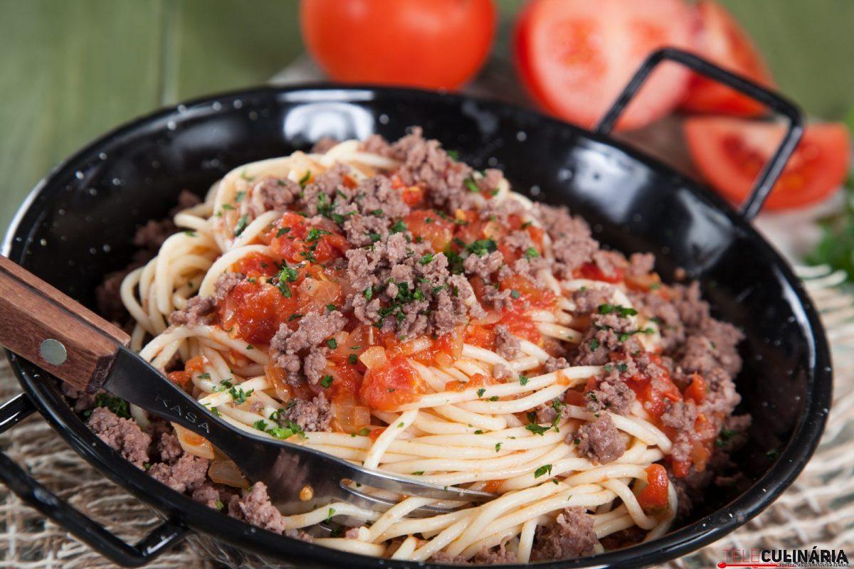 esparguete com carne picada e1515412991709