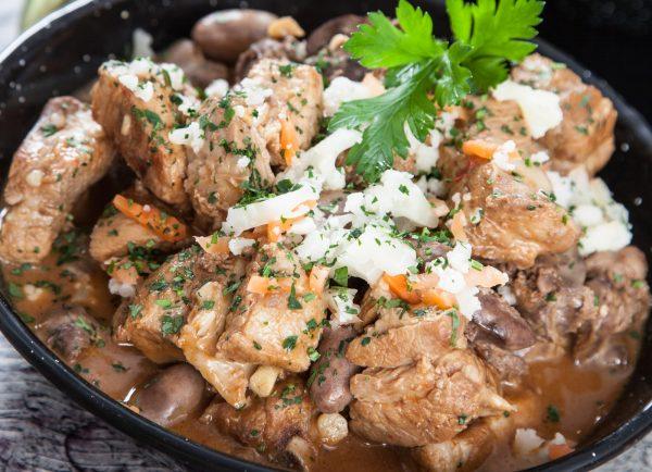 fritada de porco com arroz de feijao e1515412953920