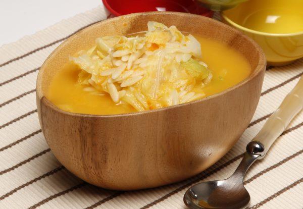 sopa de couve lombarda