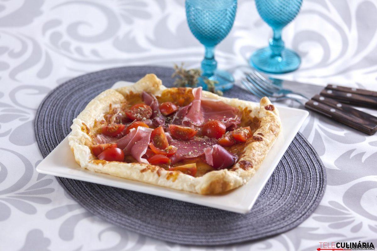 tarte de flamengo com presunto e tomates cereja