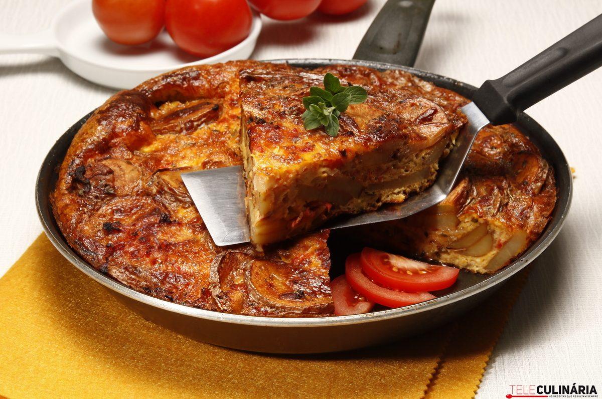 tortilha de batata com tomate e queijo