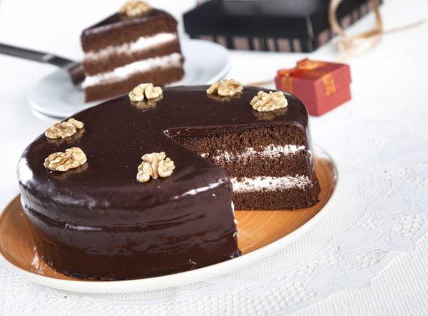 bolo de chocolate com recheio de natas e1519645082327