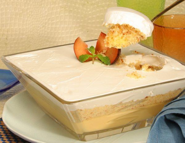 Creme de leite condensado com bolos de arroz