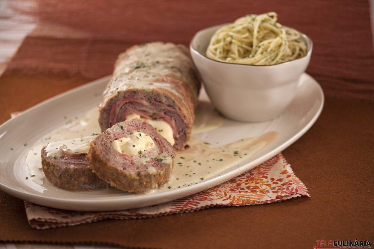 rolo de carne fechado com mortadela e queijo