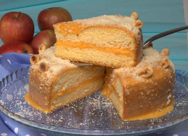 bolo recheado com ovos-moles