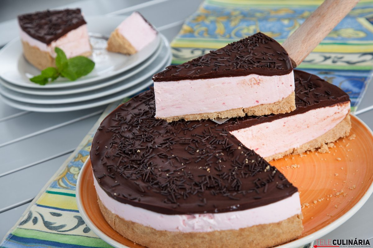 Cheesecake de gelatina com chocolate