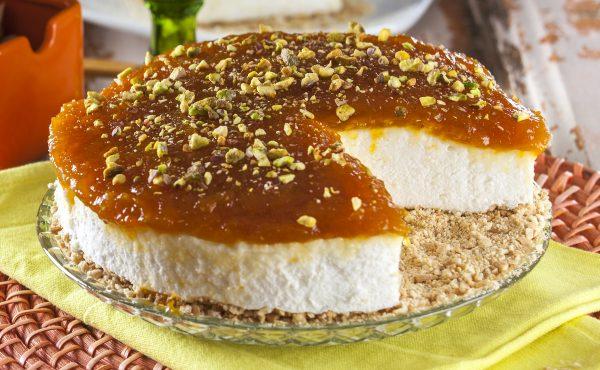 tarte fria de natas com doce de abobora e pistachio