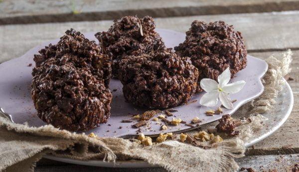 bolinhos de granola e chocolate