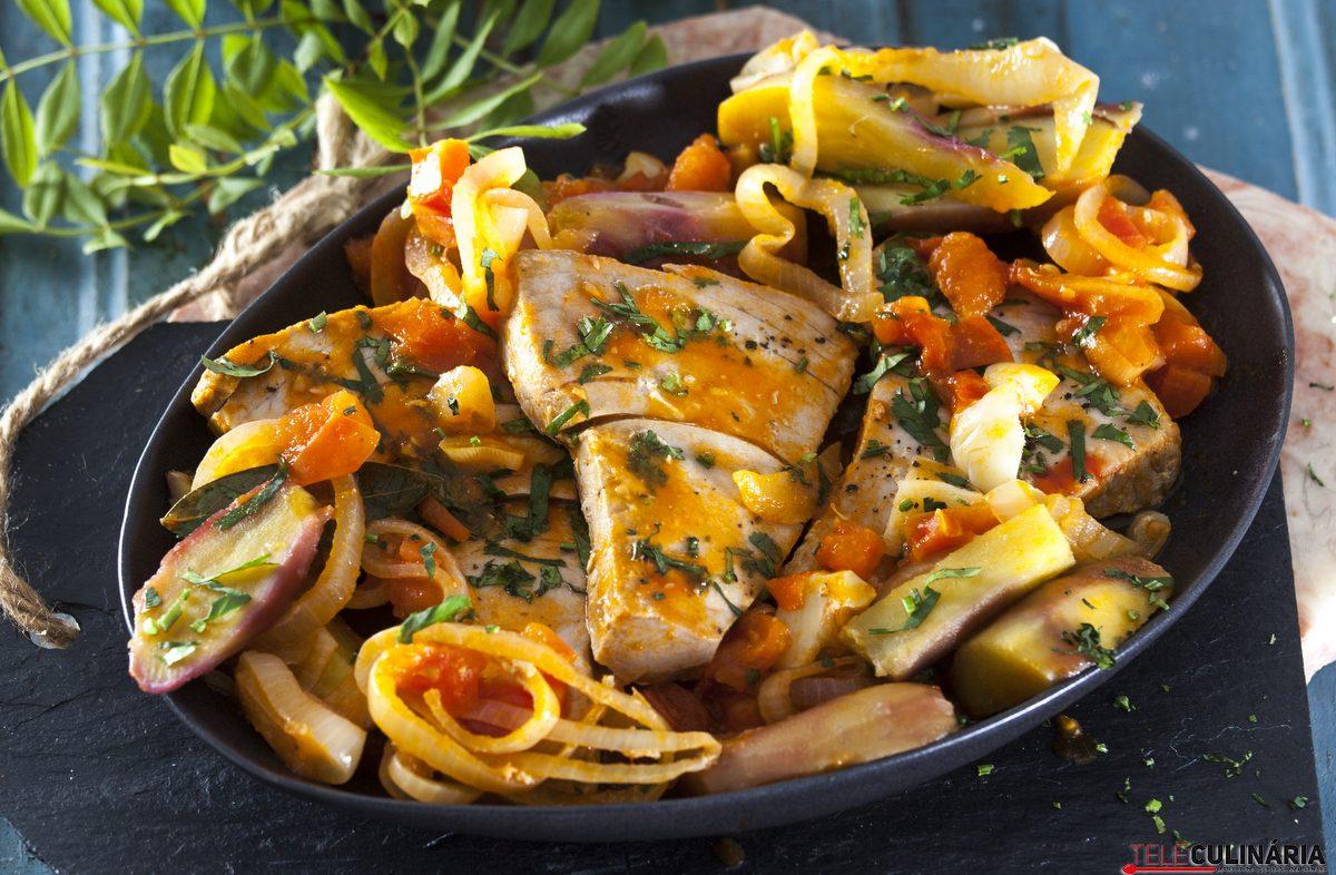 Atum à algarvia com batata-doce