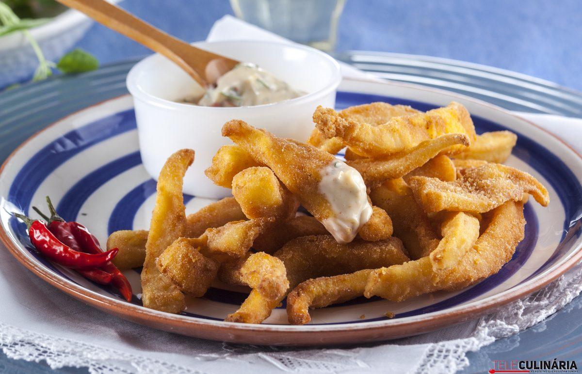 Choco frito com molho picante