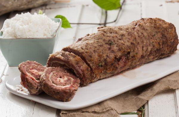 Receita de rolo de carne picada com queijo e fiambre