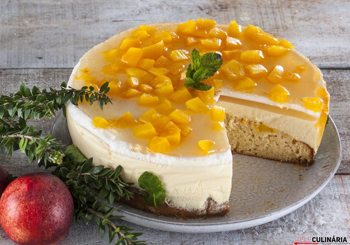 Semifrio de pêssego e gelatina