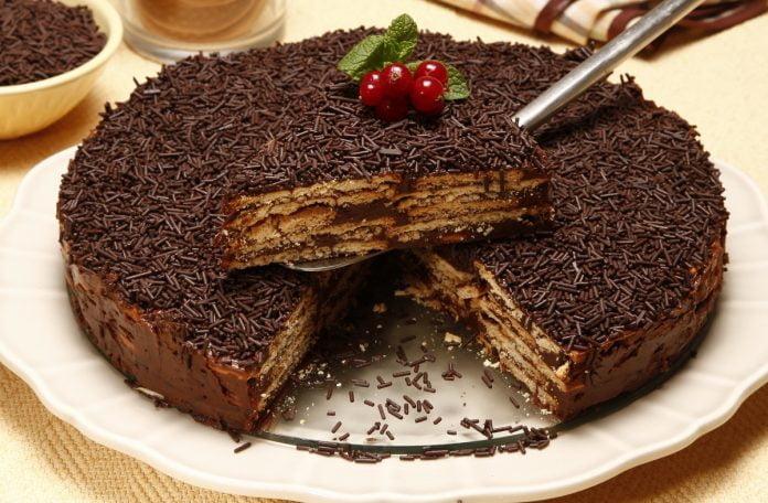 bolo de bolacha com chocolate