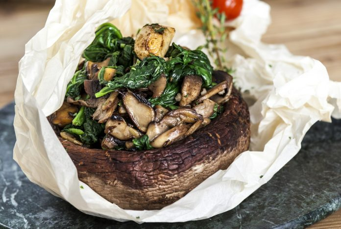 Cogumelos em papelote