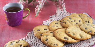 cookies com pepitas de chocolate negro