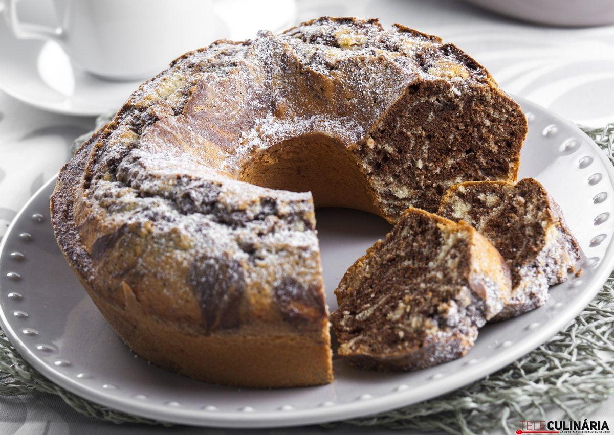bolo caseiro de chocolate e coco